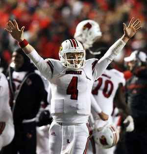 Louisville quarterback Will Stein celebrates after the Cardinals overcame a 14-3 deficit to defeat Rutgers 20-17 on Thursday in Piscataway, N.J.