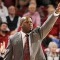 NWA Media/ANTHONY REYES -- Arkansas head coach Mike Anderson calls a defensive formation against Okl...