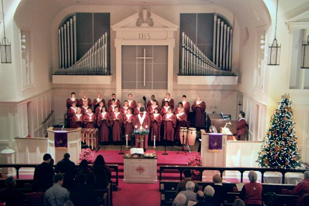 the-morrilton-first-united-methodist-church-choir-sings-in-the-annual-candlelight-service