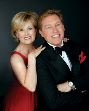 Although they enjoy separate careers, vocalists Steve Amerson and Laurie Gayle Stephenson often join forces in concert, particularly at Christmastime. The duo will perform with the Arkansas Philharmonic Orchestra on Sunday.