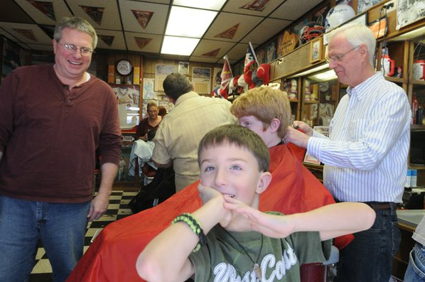 haircut rogers ar barbers cut hair for cause nwadg 2852 | RN HAIRCUT 001 t598