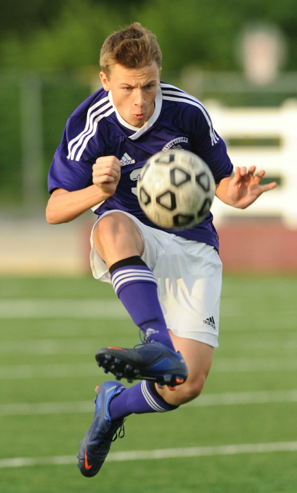 Fayetteville sophomore Foster Johnson redirects ...