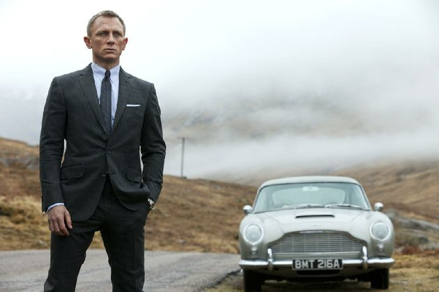 daniel-craig-is-bond-james-bond-in-sam-mendes-updated-take-on-the-007-mythology-skyfall