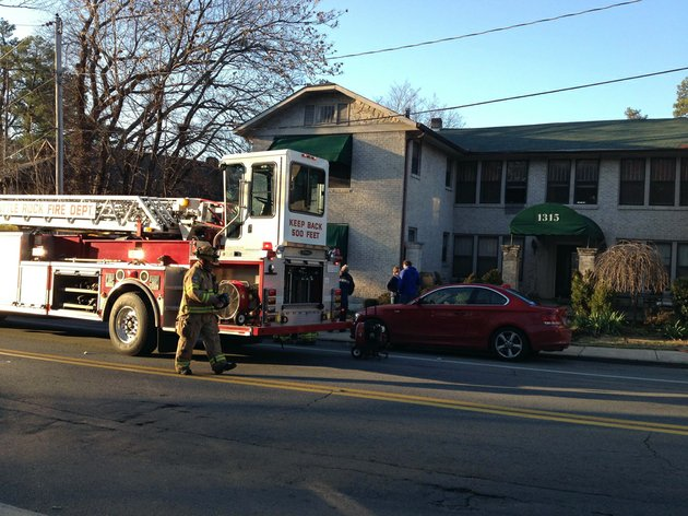 kavanaugh-boulevard-in-little-rocks-hillcrest-neighborhood-is-closed-in-both-directions-thursday-jan-17-2013-as-fire-crews-respond-to-an-apartment-blaze