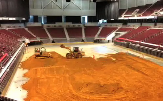 crews-set-up-for-arenacross-in-verizon-arena