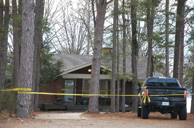 yellow-crime-scene-tape-blocks-off-the-home-of-mindy-mccready-in-heber-springs-on-monday-the-day-after-the-country-singer-was-found-dead-there-of-an-apparent-suicide-she-was-37
