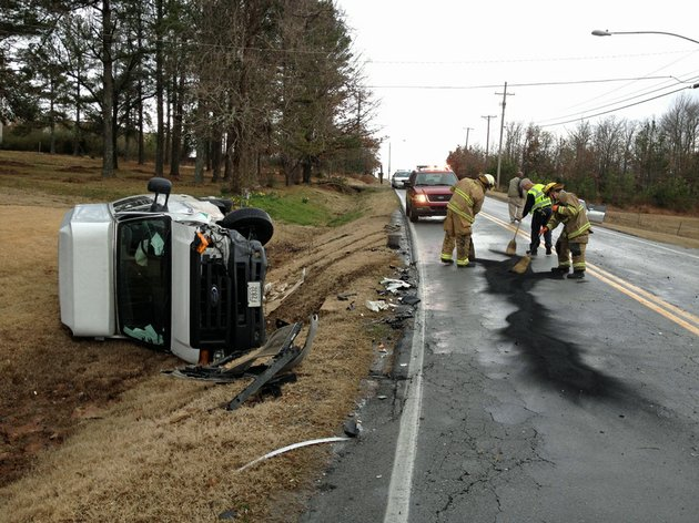 crews-respond-monday-feb-18-2013-to-an-accident-at-remount-and-perin-roads-in-north-little-rock