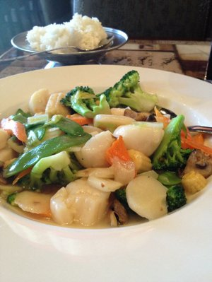 Scallops with Chinese Vegetables at Chi's on Chenal Parkway.