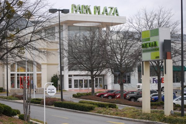 Park Plaza is an upscale shopping center located in midtown Little Rock, gassws3m047.ga as an open-air shopping center in , Park Plaza would eventually be joined in the area seven years later by University Mall. The original open-air mall was situated on Owner: CBL & Associates.