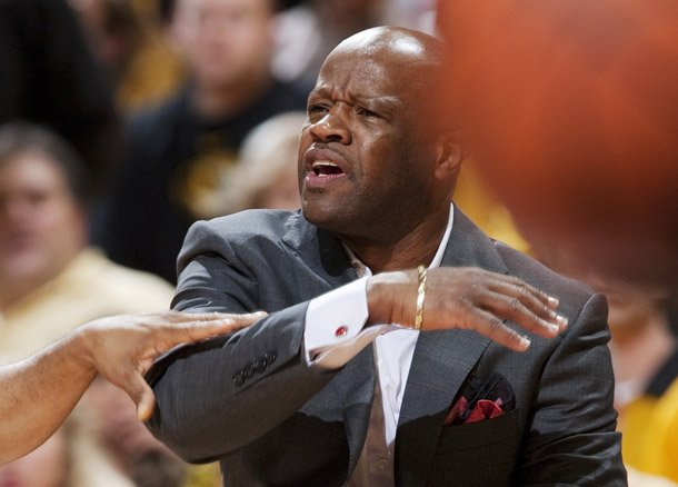 arkansas-head-coach-mike-anderson-argues-a-call-during-the-first-half-of-an-ncaa-college-basketball-game-against-missouri-tuesday-march-5-2013-in-columbia-mo-the-game-is-the-first-in-mizzou-arena-since-his-departure-from-the-university-ap-photolg-patterson