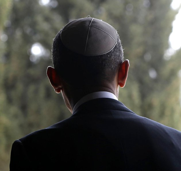 us-president-barack-obama-walks-out-of-the-hall-of-remembrance-at-the-yad-vashem-holocaust-memorial-in-jerusalem-on-friday-march-22-2013