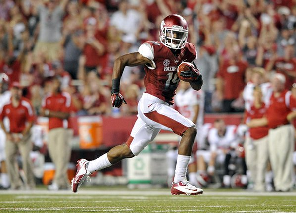 Arkansas receiver Javontee Herndon catches ...