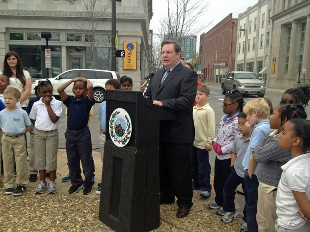 little-rock-mayor-mark-stodola-speaks-at-the-downtown-little-rock-partnerships-press-conference-to-raise-awareness-of-pedestrian-safety-in-the-downtown-area-on-monday-april-8-2013