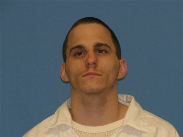 Saline County man wanted on two felony charges
