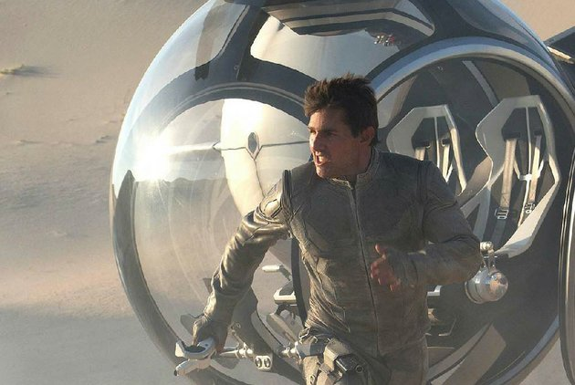 jack-tom-cruise-is-a-humble-drone-repairman-who-discovers-hes-not-been-told-the-whole-truth-in-joseph-kosinskis-sci-fi-epic-oblivion
