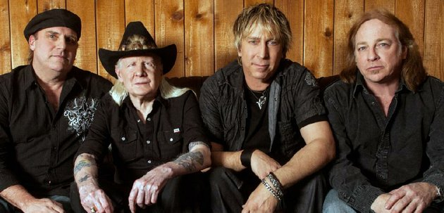 johnny-winter-in-cowboy-hat-will-perform-with-his-band-from-left-scott-spray-paul-nelson-and-tommy-curiale-at-juanitas-friday