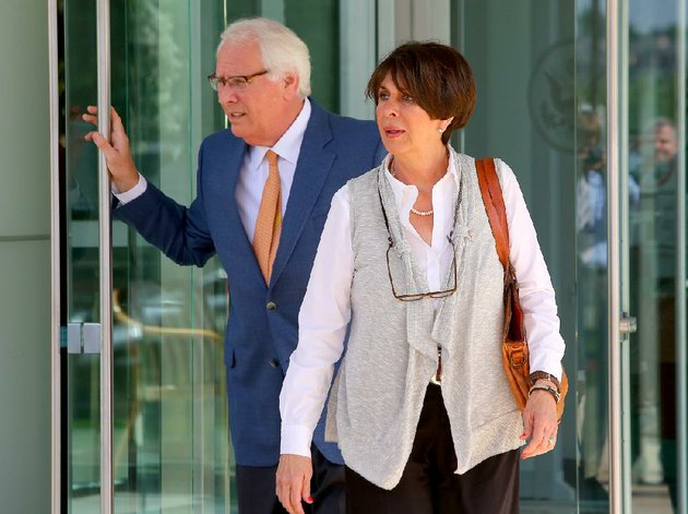 62713-arkansas-democrat-gazettestephen-b-thornton-former-arkansas-treasurer-martha-shoffner-leaves-the-federal-courthouse-thursday-morning-in-little-rock-with-her-attorney-chuck-banks-after-pleading-not-guilty-to-14-federal-counts-of-extortion-and-bribery