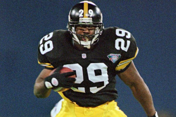 Pittsburgh Steelers running back Barry Foster carries the ball in the first quarter against the Buffalo Bills, Monday, Nov. 14, 1994, in Pittsburgh's Three Rivers Stadium. (AP Photo/Gene J. Puskar)