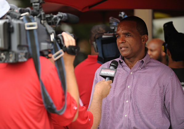 Arkansas linebackers coach Randy Shannon ...