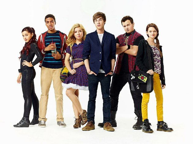 nickelodeons-family-friendly-swindle-stars-from-left-ariana-grande-chris-oneal-jennette-mccurdy-noah-crawford-noah-munck-and-ciara-bravo-the-tv-g-movie-airs-at-7-pm-saturday