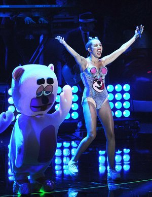"Miley Cyrus gives a ""beary"" memorable performance at the MTV Video Music Awards."