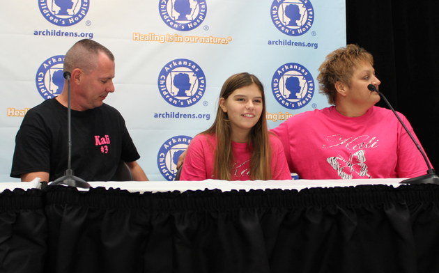 kali-hardig-sits-with-her-parents-at-a-news-conference-wednesday-at-arkansas-childrens-hospital