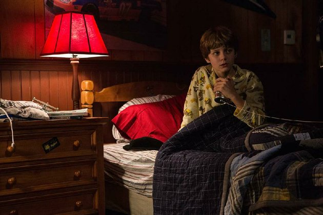 dalton-lambert-ty-simpkins-has-a-connection-to-the-spirit-world-in-insidious-2