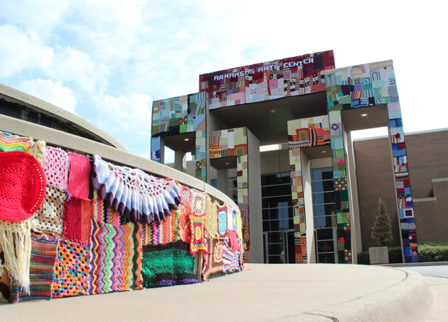 knitted-yarn-work-covers-the-front-of-the-arkansas-arts-center-and-its-fountain-friday-in-what-organizers-say-was-the-second-largest-yarn-bombing-ever