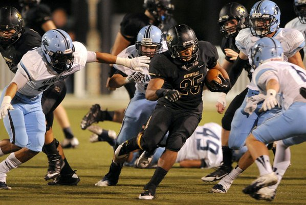 Bentonville running back Dylan Smith ...