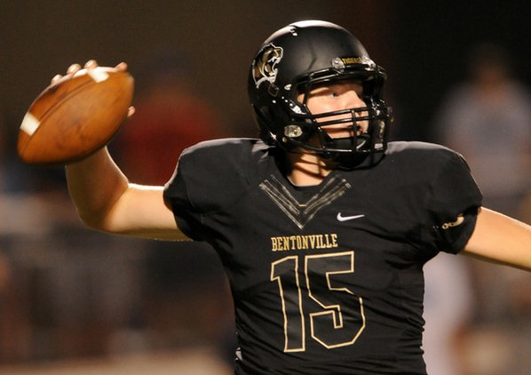 Bentonville quarterback Kasey Ford throws ...