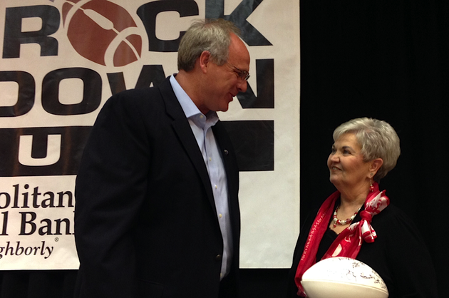 central-arkansas-coach-clint-conque-speaks-with-a-fan-monday-afternoon-after-his-address-of-the-little-rock-touchdown-club
