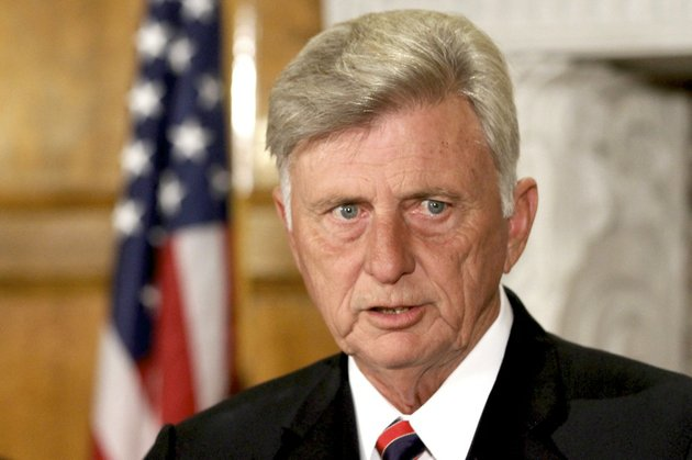 arkansas-gov-mike-beebe-comments-on-effects-the-federal-government-shutdown-is-having-on-some-state-employees-during-a-news-conference-in-little-rock-on-friday-oct-11-2013