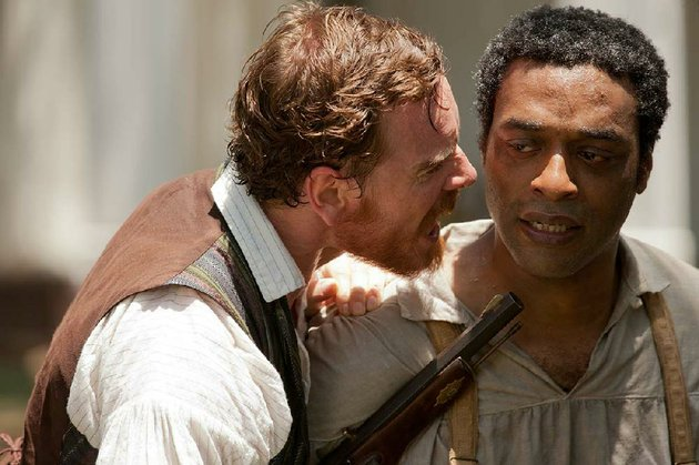 edwin-epps-michael-fassbender-is-a-cruel-planter-who-enslaves-solomon-northup-chiwetel-ejiofor-in-steve-mcqueens-brutal-adaptation-of-northrups-memoir-12-years-a-slave