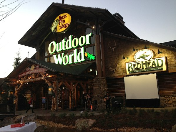 Bass Pro Shops To Buy Cabla for $5.5 Billion
