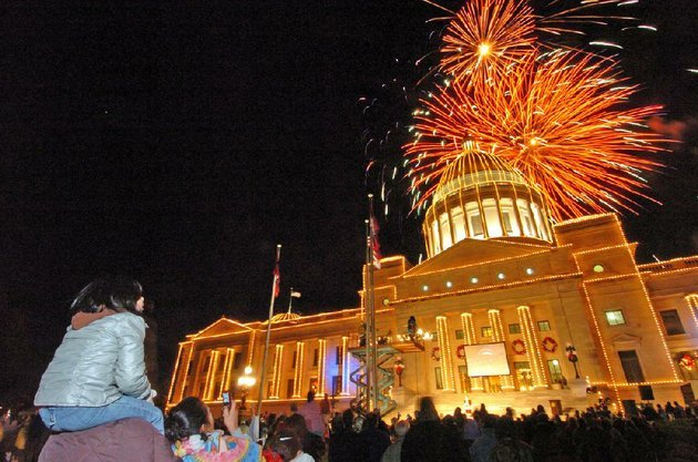 spectators-can-witness-the-state-capitol-lighting-ceremony-after-little-rocks-big-jingle-jubilee-holiday-parade