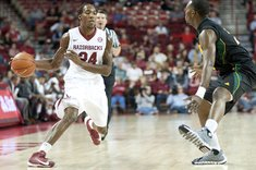 Arkansas' Michael Qualls ...