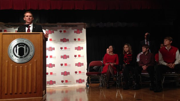 new-arkansas-state-head-coach-blake-anderson-addresses-the-crowd-during-his-introductory-press-conference