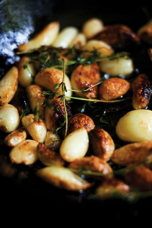 Rosemary and Garlic Roast Fingerling Potatoes