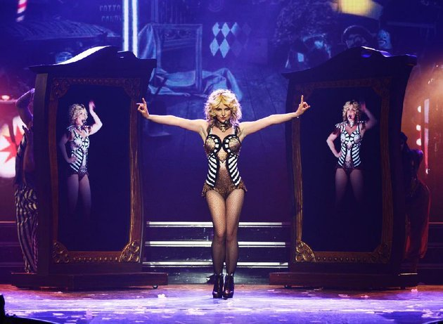 britney-spears-rehearses-britney-piece-of-me-at-planet-hollywood-resort-casino-last-week-spears-began-her-two-year-las-vegas-casino-residency