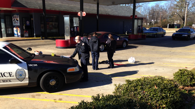 police-investigate-a-friday-afternoon-shooting-at-the-superstop-at-roosevelt-road-and-johnson-street-in-little-rock