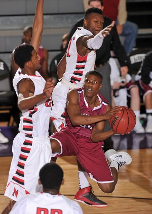 STAFF PHOTO MICHAEL WOODS 