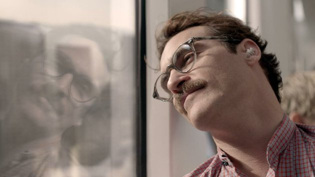 caption-joaquin-phoenix-as-theodore-in-the-romantic-drama-her-directed-by-spike-jonze-a-warner-bros-pictures-release