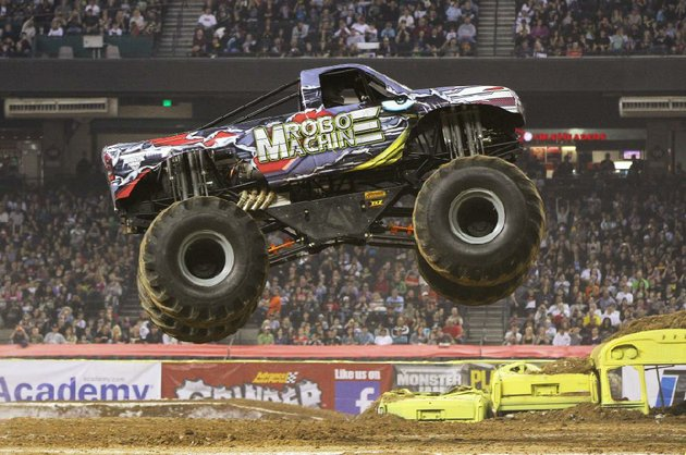 robo-machine-is-one-of-the-trucks-coming-to-monster-jam-at-verizon-arena