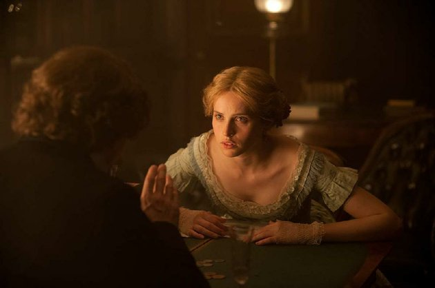 nelly-felicity-jones-has-a-clandestine-affair-with-charles-dickens-in-ralph-fiennes-the-invisible-woman