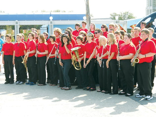 members-of-the-pangburn-high-school-band-wait-to-perform-at-sea-world-in-san-antonio-texas-the-bands-director-bill-mitchell-said-he-tries-to-take-the-band-on-a-trip-every-two-to-three-years-so-each-member-has-a-chance-to-travel-with-the-organization