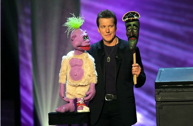 jeff-dunham-with-peanut-and-jose-jalapeno-on-a-stick