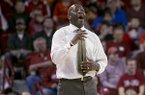 Arkansas head coach Mike Anderson yells at his defense during the second half of an NCAA college basketball game against South Carolina, Wednesday, Feb. 19, 2014, in Fayetteville, Ark. (AP Photo/Gareth Patterson)