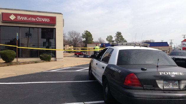 police-respond-monday-feb-24-2014-after-the-bank-of-the-ozarks-at-11102-n-rodney-parham-road-in-little-rock-was-robbed-about-noon