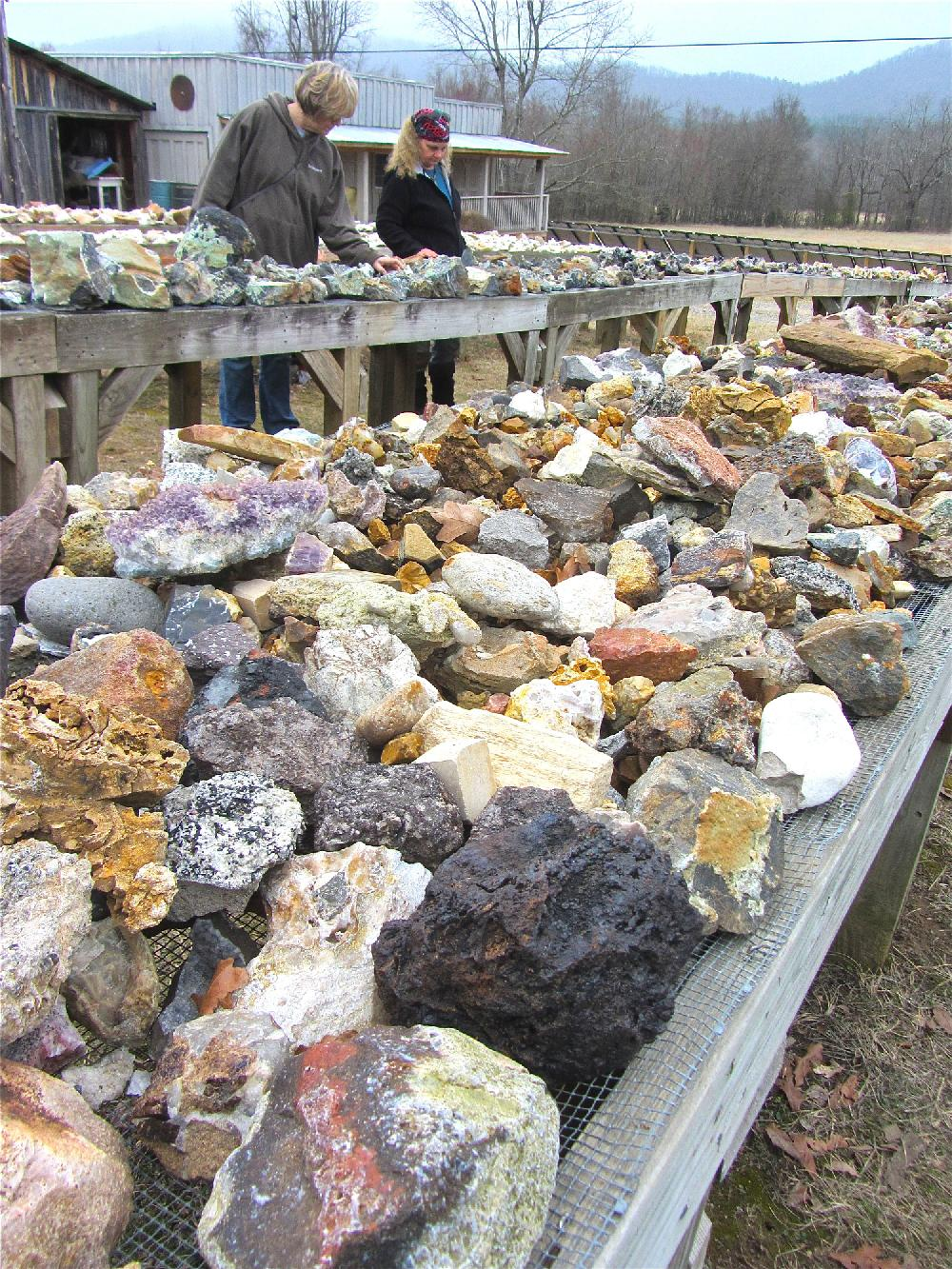 Gem buffs can dig in dirt or wallet at Mount Ida
