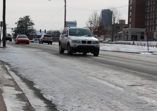 traffic-moves-along-an-icy-third-street-in-little-rock-tuesday-morning